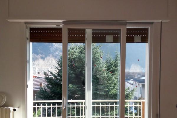 finestre-10D2029387-3A41-50FE-B1BD-D3FD56710F67.jpg